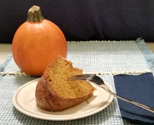 2-Pumpkin-Spice-Bundt-Cake-With-Vanilla-Butter-Sauce-For-Rent.Com-600-490