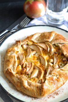 apple-chicken-cheddar-galette