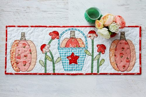 Autumn-Love-Pumpkin-Table-Runner